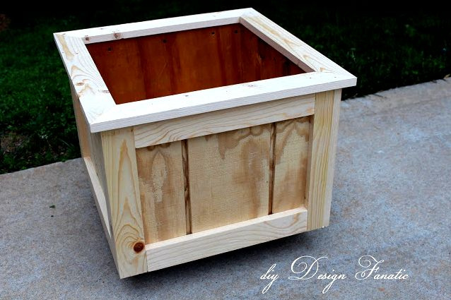 Outdoor project - Make planter boxes, from DIY Design Fanatic